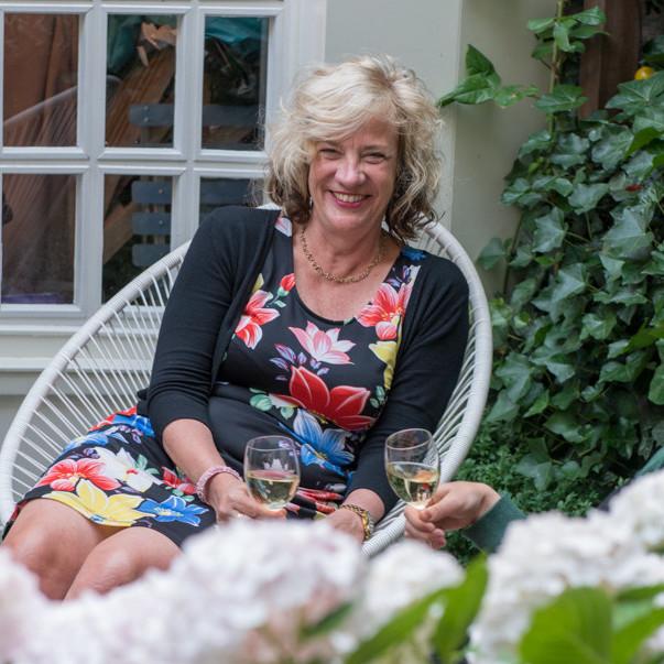 MdR 9715-50 Mirella Schout, Betty van Bakel